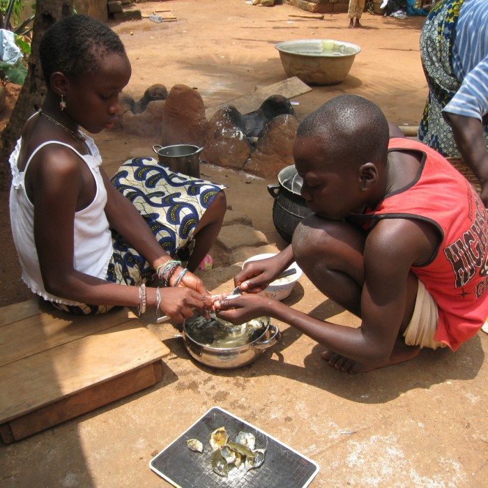 Enfants font cuisine