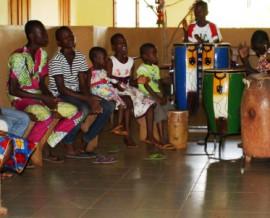 Nourriture pour l'orphelinat Fontaine Divine