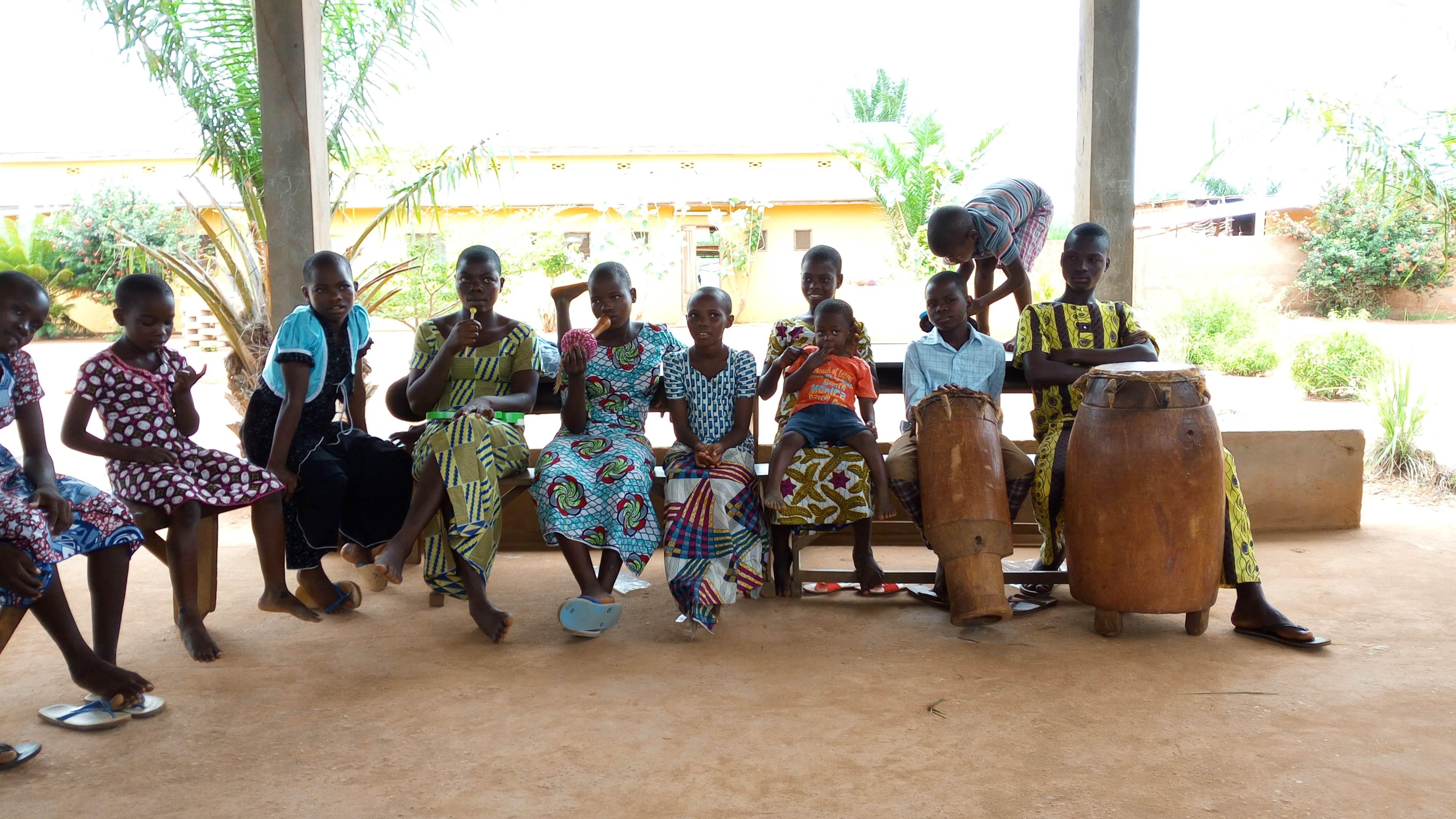 Visite à l'orphelinat La fontaine divine - Mission humanitaire Bénin
