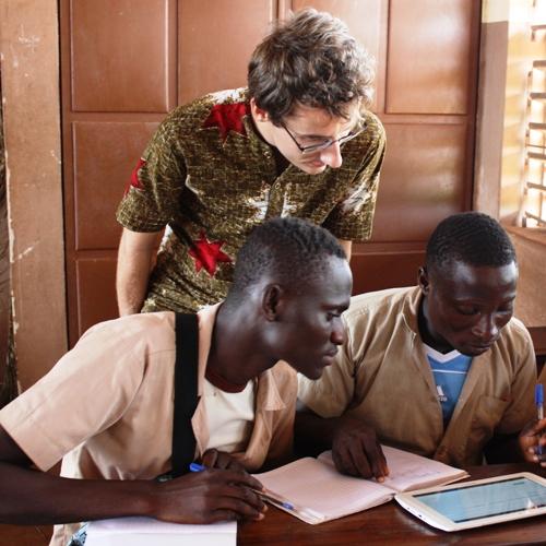 Bénévole éducation numérique