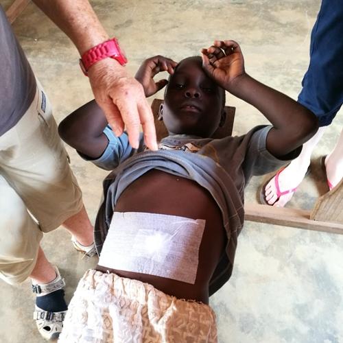 Soin enfant orphelinat - mission humanitaire santé