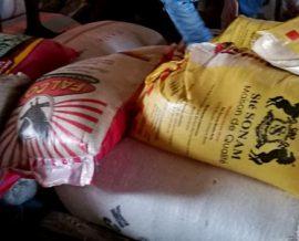 Des denrées alimentaires pour l'orphelinat