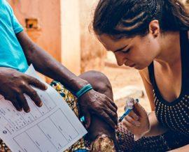 L'aventure humanitaire de Nina
