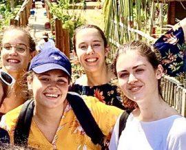 Six étudiantes en stage humanitaire : un moment de partage